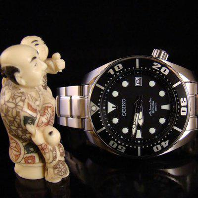 """SOLD: PRICE DROP - Seiko """"Sumo"""" SBDC001 - Black on Bracelet with boxes and papers"""