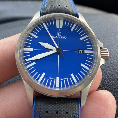 SOLD: Damasko DS30 Ocean box and papers and straps