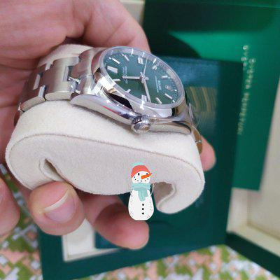(For sale) Rolex Oyster Perpetual - 126000 - 36mm - Green dial