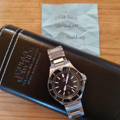 Tourby Lawless Diver 40 black
