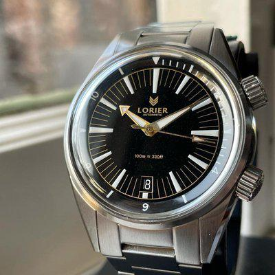 [WTS] Lorier Hydra v 2- Sold OUt, Super Compressor Case, Black/Gilt Colorway, Running Fantastically, Great Condition, Full Kit, Just $399 Shipped!