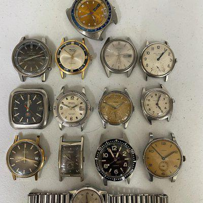 A lot of watches for parts or repair, buy one or all