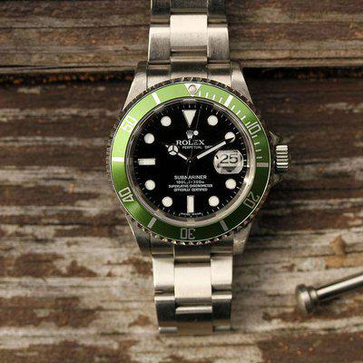 """2006 Rolex Submariner Date ref. 16610LV """"Kermit Green Bezel, Box and Papers"""""""