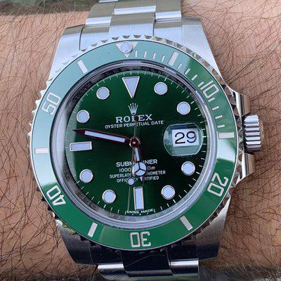 """FS: Rolex Submariner """"Hulk"""" 116610LV Mint Box & Papers Green Dial Discontinued Model"""