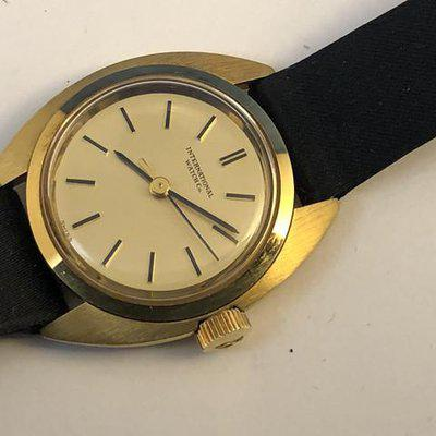 FSOT: Excellent Ladies 1970's Vintage IWC 18 Kt Yellow Gold