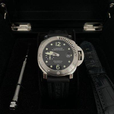 """Panerai PAM24 """"I"""" Serial Luminor Submersible 44mm Stainless Automatic"""