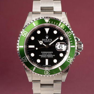 FS: 2005 Rolex Green Submariner 16610LV with Box and Papers