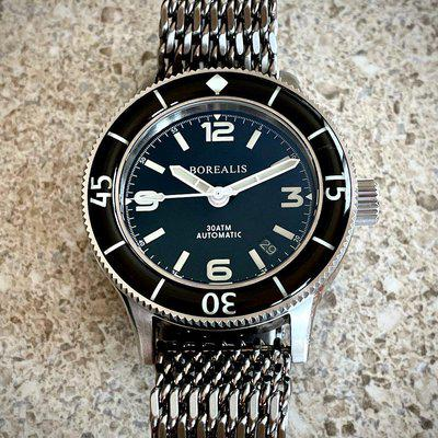 SOLD Borealis Sea Storm Date 300M Version 1 On Strapcode Tapered Shark Mesh