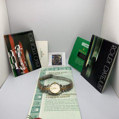 FS: ROLEX Oyster Datejust with champagne dial and two-tone jubilee bracelet 31mm
