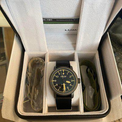 [WTS] Lum-Tec Combat B-46 with box and papers