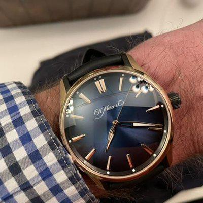 FSOT: H. Moser and Cie. Gold Pioneer Complete