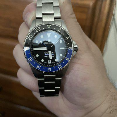 """[WTS/WTT] Looking to sell my Steinhart 39 GMT 500 """"Batman"""" with additional bracelet. $710"""