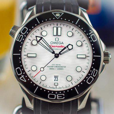 FS: Omega Seamaster 300m White Dial 42mm 2021–BOX & PAPERS–210.32.42.20.04.001
