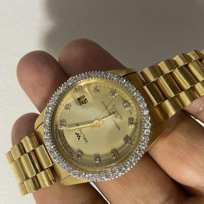 [WTS] FUN 🤩 BLINGY 💎 1980s ** Waltham DAY DATE** 35.5mm if u want a Rolex Day Date but… 🤷♂️
