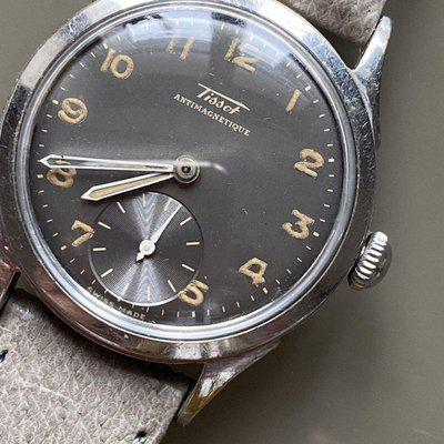 FS - 1940s Tissot with glossy gray radium dial- 550€