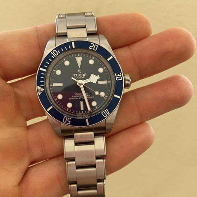 [WTS] Tudor Black Bay 58 Blue. Box and papers.