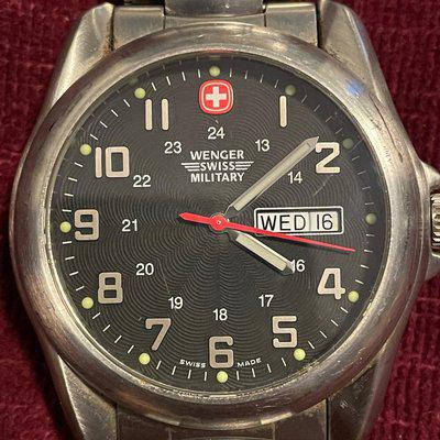 [GIVEAWAY] Wenger Swiss Military Quartz Day Date 7900X