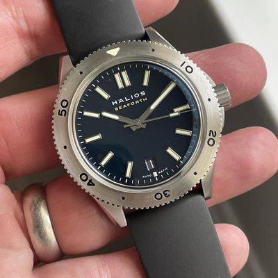 FS: Halios Seaforth 2nd Gen - blue dial w date and dive bezel