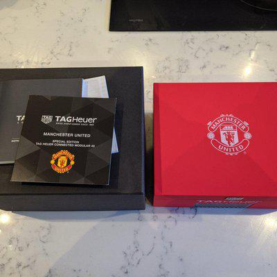 FS/IC: Tag Heuer Connected 45 red rubber strap & Manchester United limited edition box only