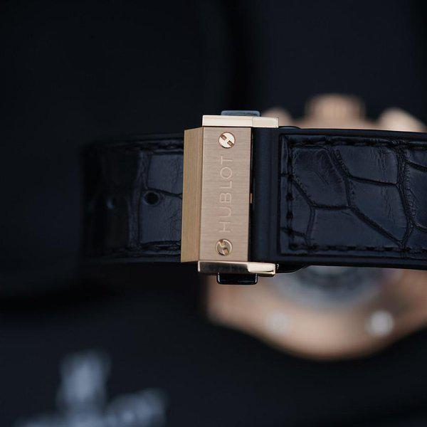 FS: Excellent condition Hublot Classic Fusion Rose Gold Silver Dial 541.OX.2610.LR. 6