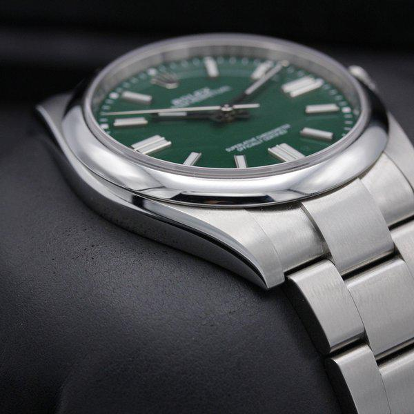 FSOT: Rolex Oyster Perpetual 41 - 124300 - Green Dial - Like New - 2021 6