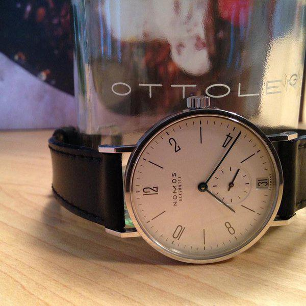 FS: NOMOS Tangente Date (ref. 107) with extra strap 2