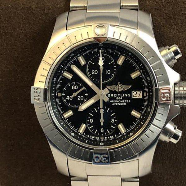 FS: LNIB Breitling A13385 Avenger  II Chonograph 43, Steel, Bracelet, Black Dial, Complete. 2